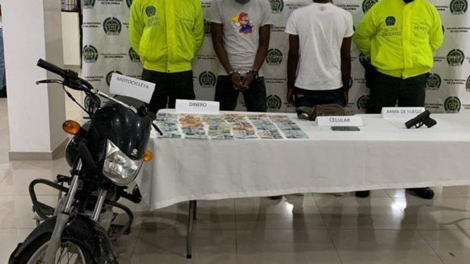 Policia Captura En Flagrancia A Un Hombre Y Aprehende A Un Menor